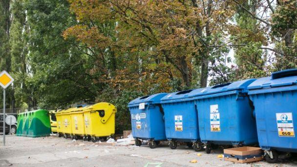Oznam k zberným kontajnerom na triedený odpad (plast a papier)