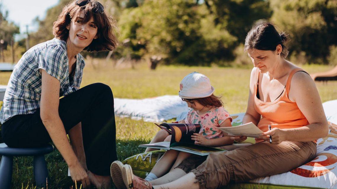 Čítanie so spisovateľkou a divadelné predstavenie pre deti - fotoreportáž.