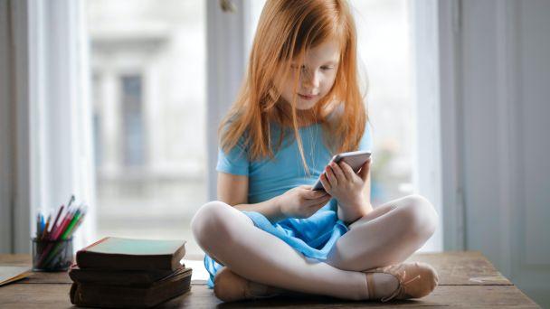 Nepodceňujte u detí riziká spojené sinternetom!